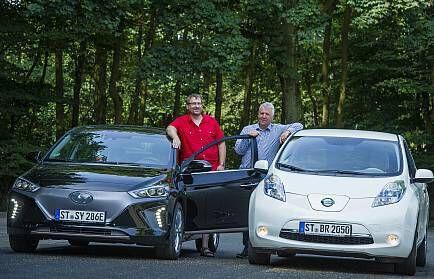 Ruhe und Niestegge mit Hyundai und Nissan Leaf